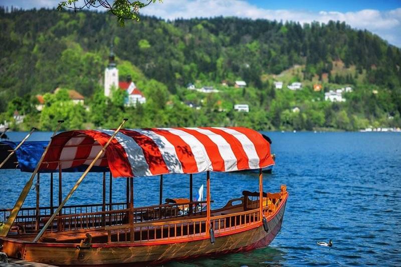 Планируете поездку в Словению и понятия не имеете, где остановиться на озере Блед?